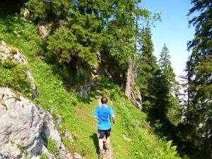 Steiler Anstieg beim Stanserhorn Berglauf 2013